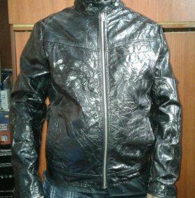 Куртка лакерованая