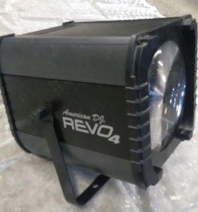 Световой прибор Revo 4