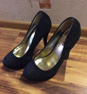Туфли Ronzo чёрные на шпильке