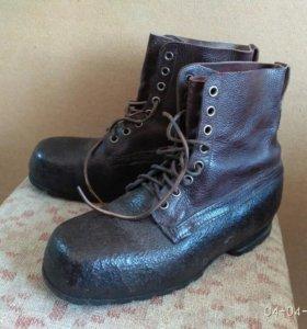 Раритетные армейские ботинки