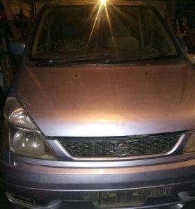 Nissan Serena (2002г)