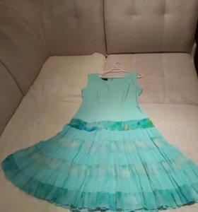 Легкое комбинированное платье