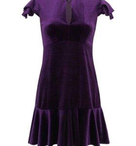 Эффектное бархатное платье