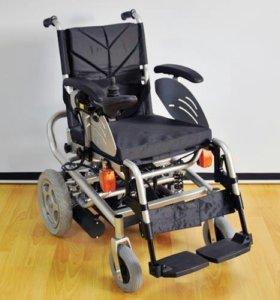 Инвалидная креслоколяска с электроприводом