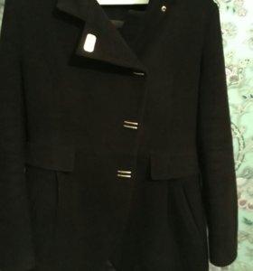 Демисезонное пальто 46-48размера