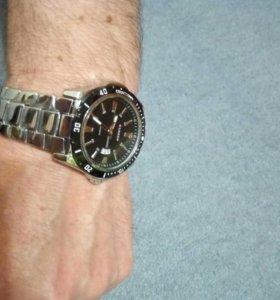 Часы кварцевые мужские наручные