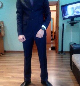 Костюм мужской+рубашка+галстук