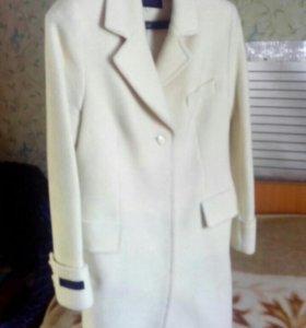 Пальто демисизонное кремового цвета кашеммр