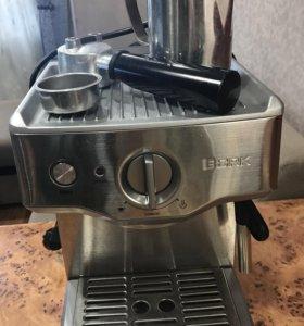 Кофемашина bork c 700