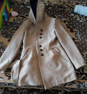 Продам пальто размер 42-44