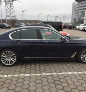 Автомобиль BMW 750I XDRIVE