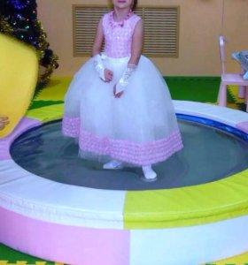 Праздничное платье для принцессы!)
