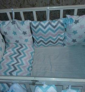 Бортики и объемные буквы в детскую  кроватку