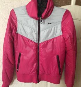 Продам куртку Найк оригинал