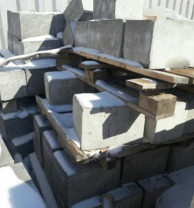 Блок фундаментный 200х200х300 мм