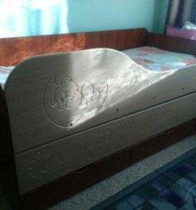 Кровать двухъярусная выдвижной
