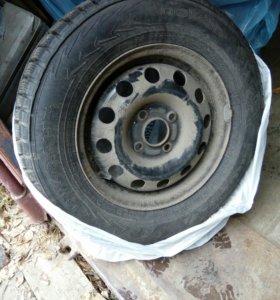 Продам зимние колеса. Диски штампованные 14 радиус