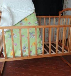 Детская кроватка + матрас + наматрасник