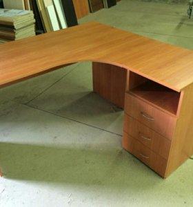 Угловой стол с тумбой
