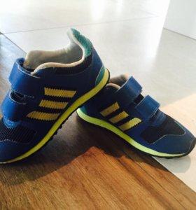 Кроссовки Adidas, р-р 25-26