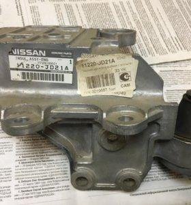 Подушка коробки Nissan X-Trail NT31