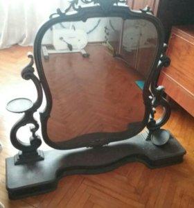 Старинное зеркало.
