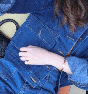 Стильная джинсовая куртка укороченная