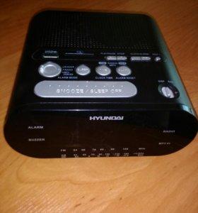 Радиочасы Hyundai