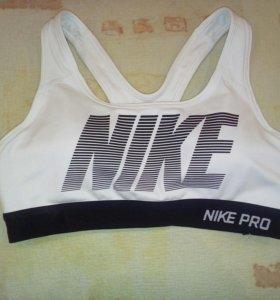 Топ спортивный Nike Pro