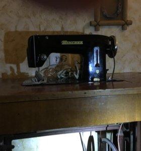 Чешская швейная машинка Minerva