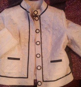 Куртка жакет пиджак мундир бежевая перламутр