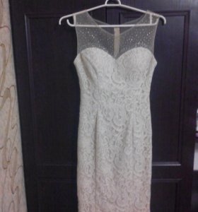 Вечернее платье. Молочное платье