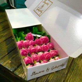 Цветы розы в коробке