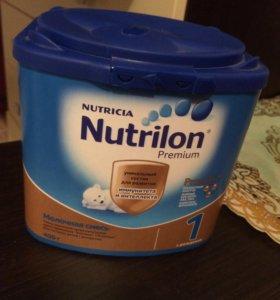 Молочная смесь НУТРИЛОН с Рождения