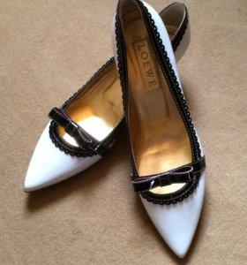 LOEWE туфли новые