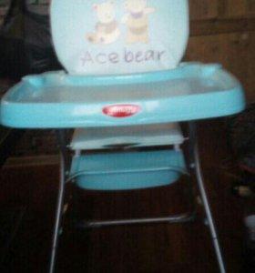 Детское кресло для кормления ребенка