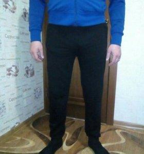 Новые спортивные штаны р-р: 44-46