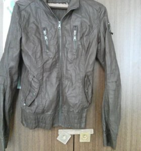 Куртка кожанная,ветровка