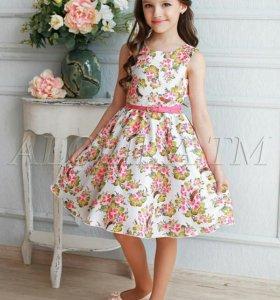 Платье белое на девочку ростом от 118 до 124 см.