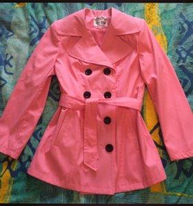 Розовый тренч