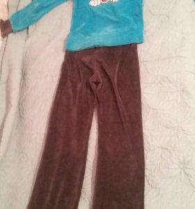 Спортивный костюм с Микки Маусом