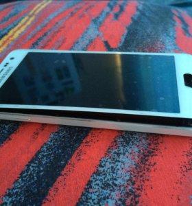 Телефон Samsung А3