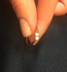 Кольцо золотое белое золото с блиллиантами