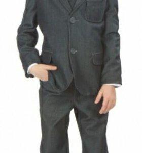 Стильный пиджак для мальчика.разм.134