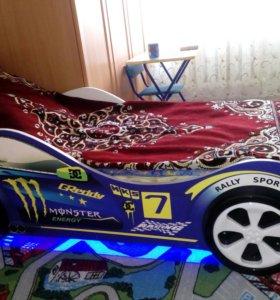 Кровать машинка.с матрасом