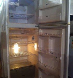 "Холодильник Самсунг ""No Frost"""