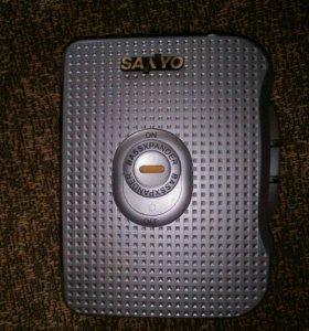 Плеер кассетный sanyo