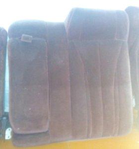 Спинка заднего сидения