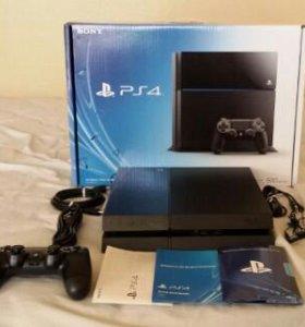 Продаю PS4 500Г + 5дисков и аккаунт 12 игр