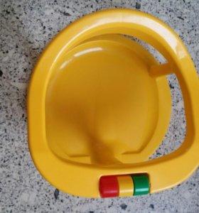 Стульчик,горка для купания,круг,пеленальная доска